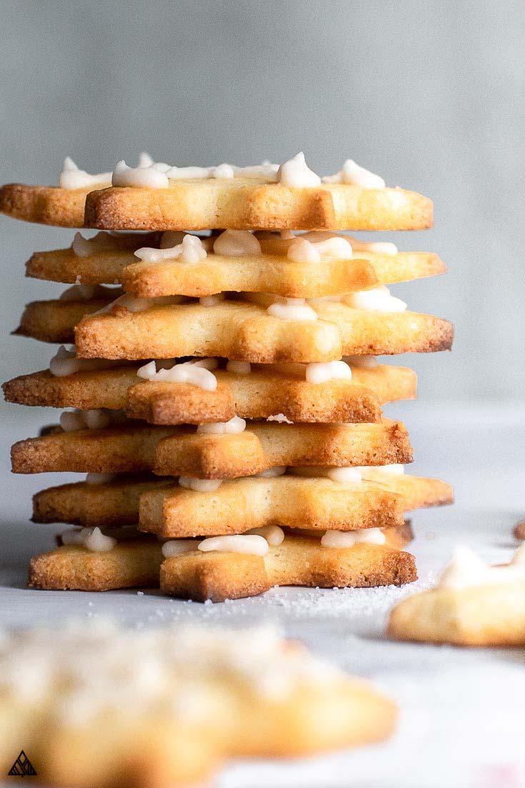 Keto sugar cookies in vertical line