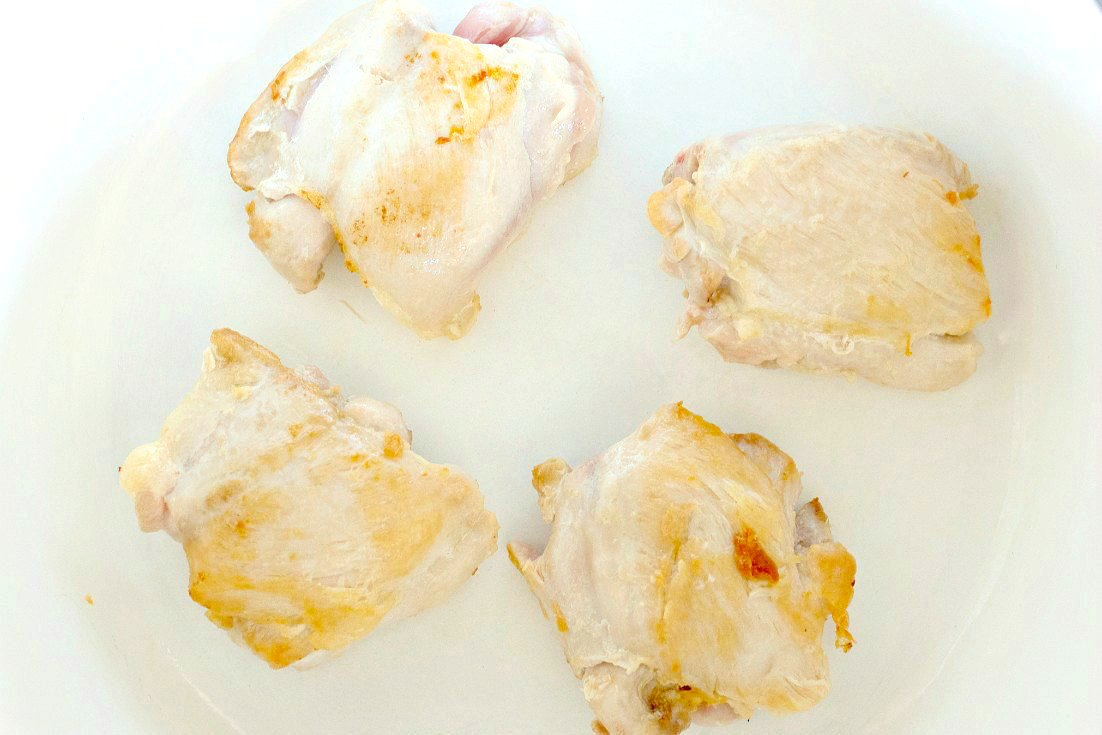 4 browned chicken thighs
