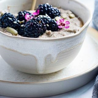A bowl of low carb oatmeal