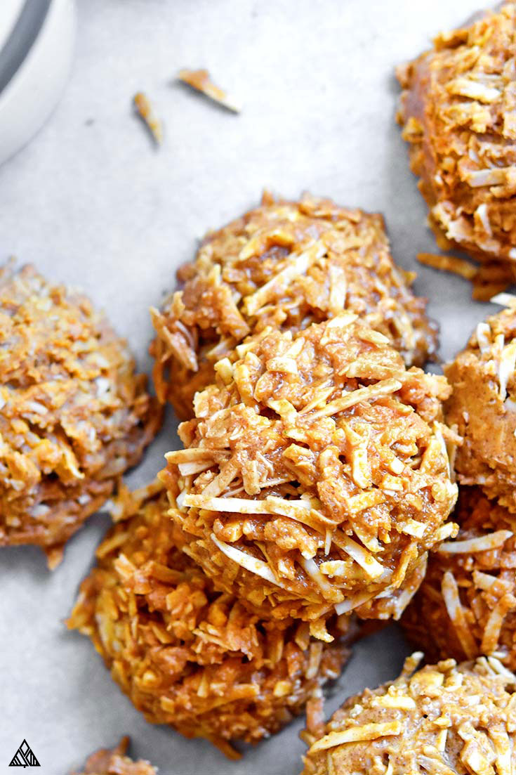 Closer look of keto no bake cookies