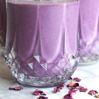 Low carb breakfast smoothie in a glass