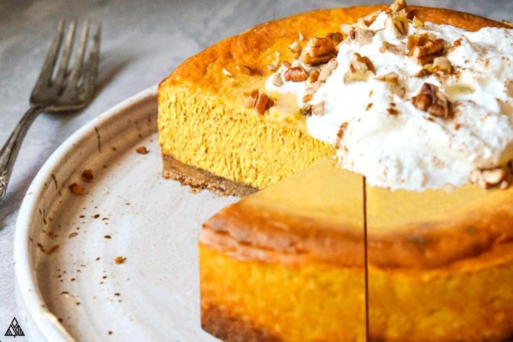 Pumpkin cheesecake with low carb graham cracker crust