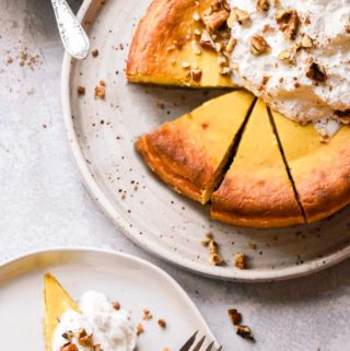 slices of low carb pumpkin cheesecake in a plate
