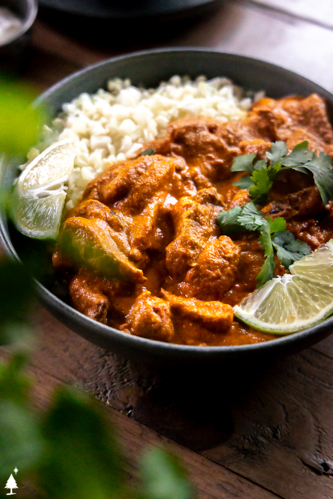 closer view of the best chicken tikka masala recipe in a bowl