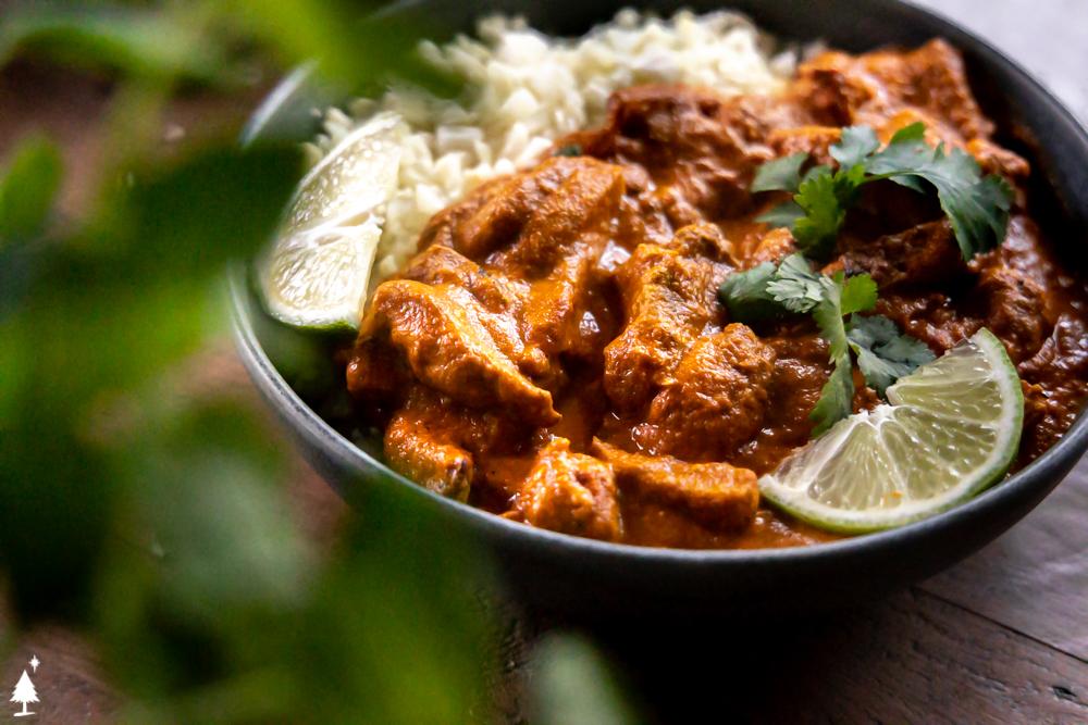 closer view of tikka masala chicken in a bowl